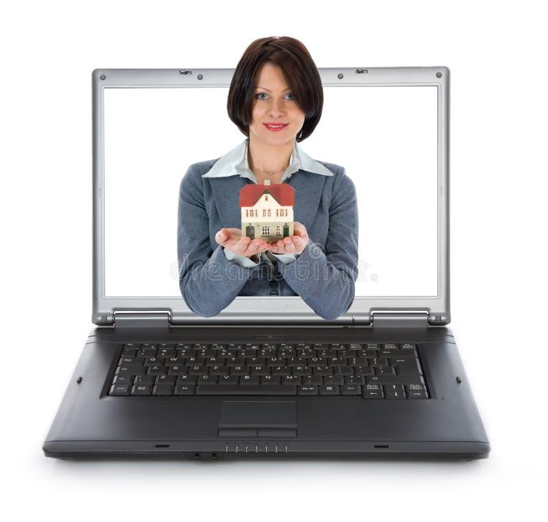 De bedrijfs vrouw adverteert onroerende goederen royalty-vrije stock afbeeldingen