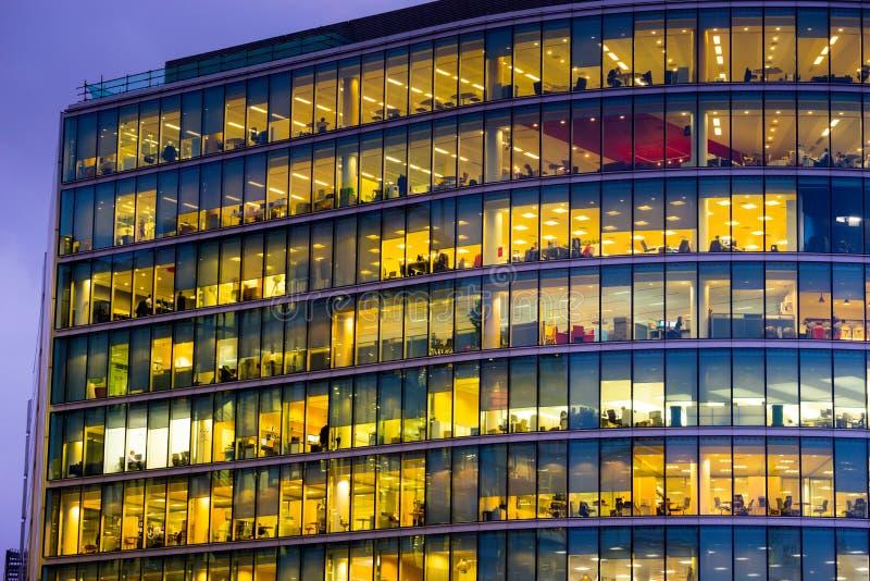 De bedrijfsbureaubouw in Londen, Engeland royalty-vrije stock afbeelding