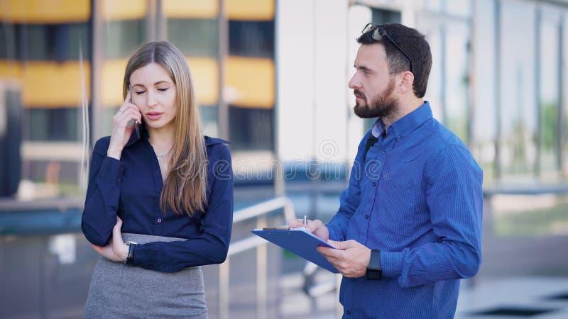 dating agentschap Jobs hook up water slang aan gootsteen