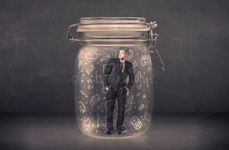 Download De Bedrijfsmens Ving In Glaskruik Met Hand Getrokken Media Pictogrammen C Stock Foto - Afbeelding bestaande uit carrière, stomme: 54089684