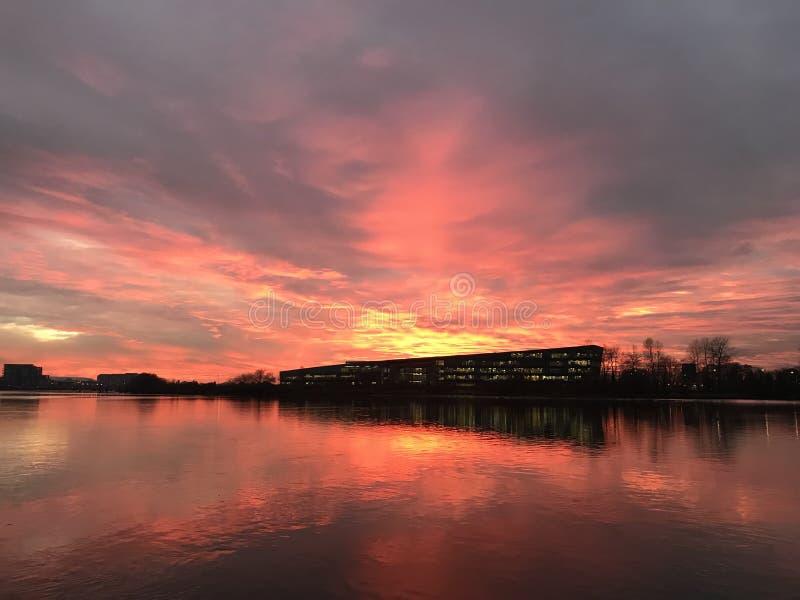 De beelden van de rivierrichmond van de zonnacht royalty-vrije stock foto's