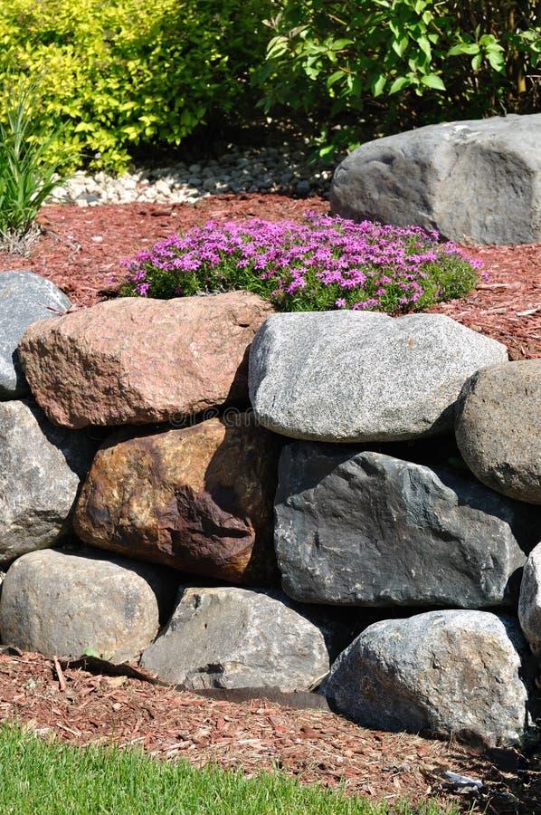 De Behoudende Muur van de steen stock afbeeldingen