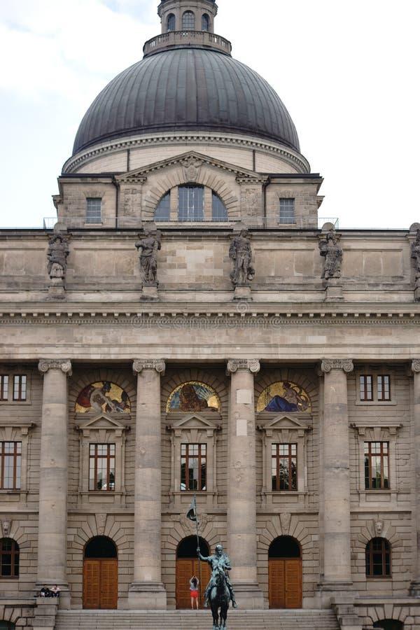 De Beierse Kanselarij München van de Staat stock fotografie