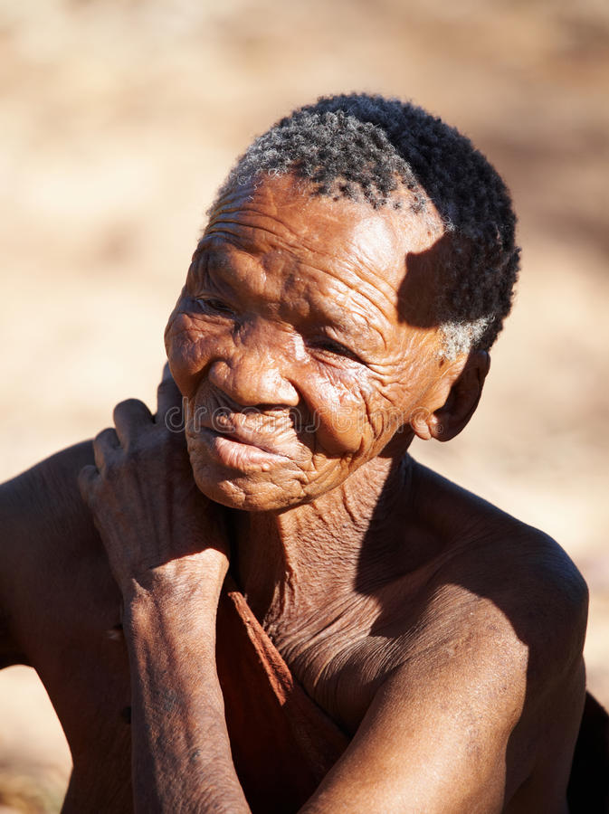 De bejaarde van de Bosjesman stock fotografie