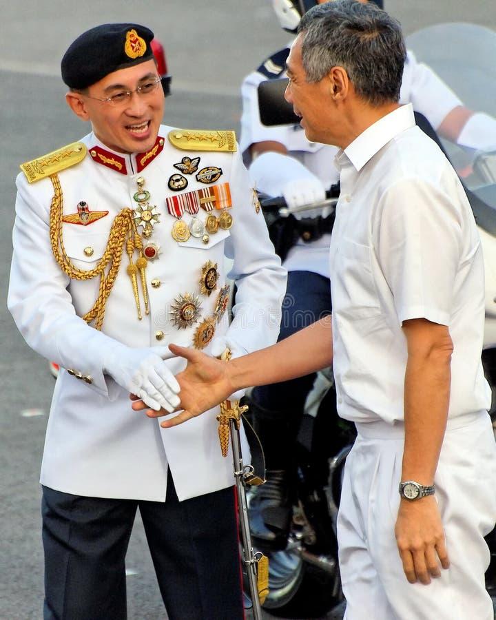 De belangrijkste Kracht van de Defensie heet Eerste minister welkom stock foto