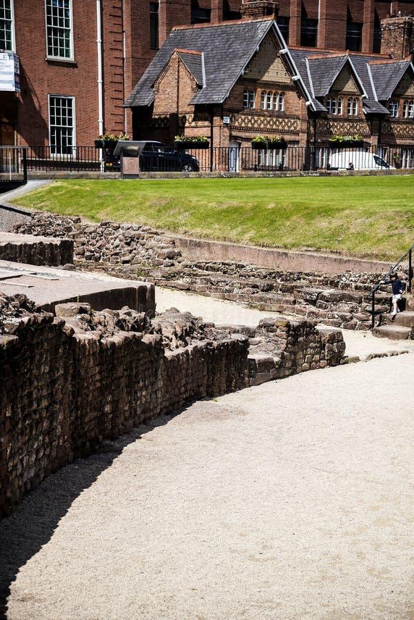 De belangrijkste Roman eigenschap is amphitheatre enkel buiten de muren die archeologisch onderzoek ondergaat royalty-vrije stock afbeeldingen