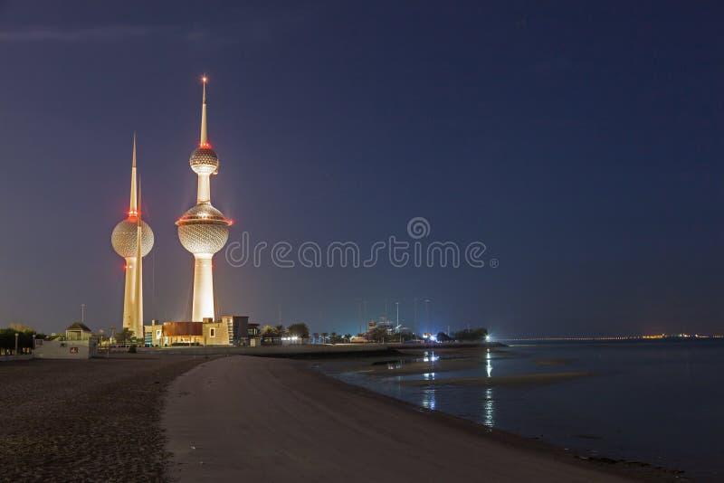 De berömda Kuwait tornen arkivfoton