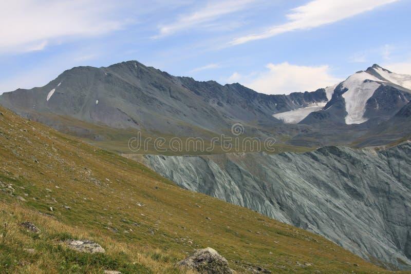 De Berg van Altai in de zomer stock afbeelding