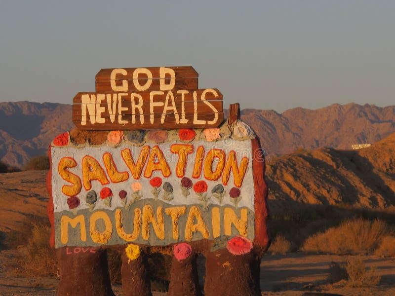 De Berg van de redding voorziet van wegwijzers stock afbeelding