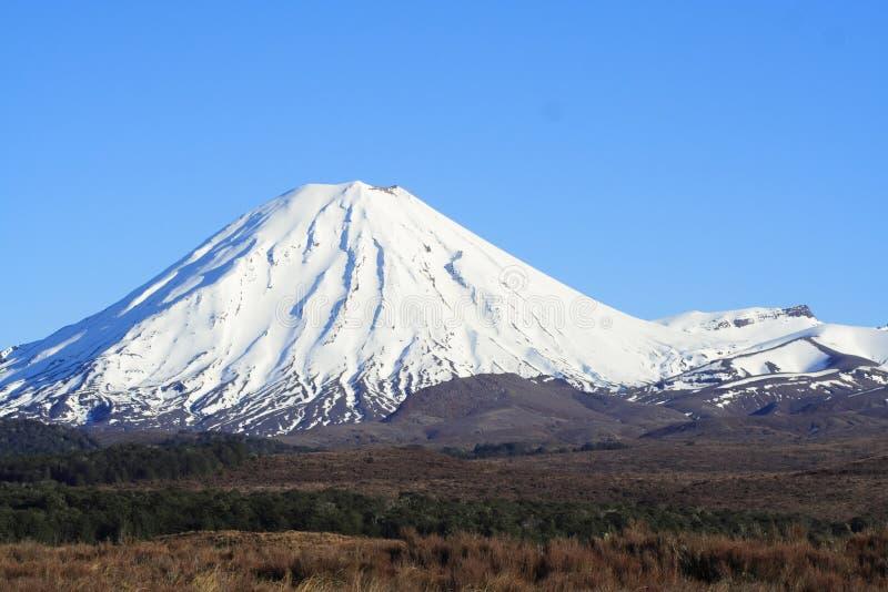 De Berg van de sneeuw stock afbeeldingen