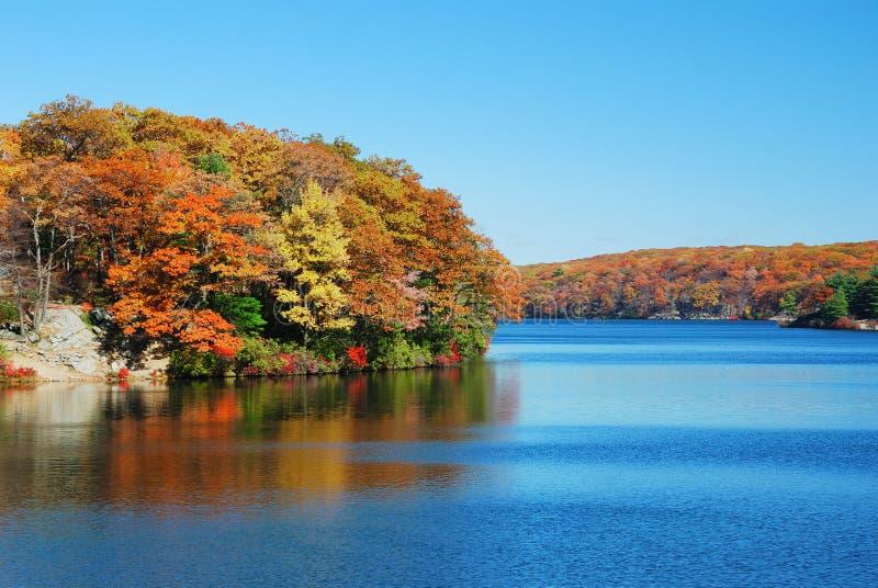 De Berg van het meer stock fotografie