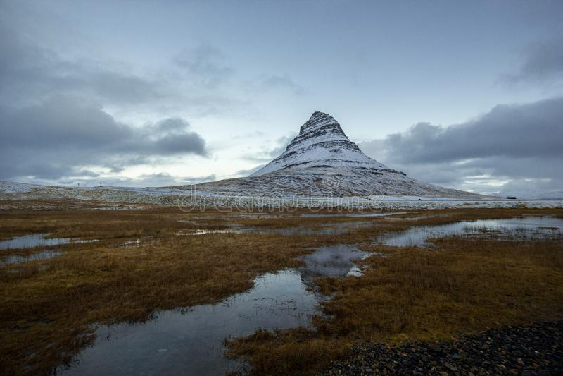 De Berg van IJsland Kirkjufell stock afbeeldingen