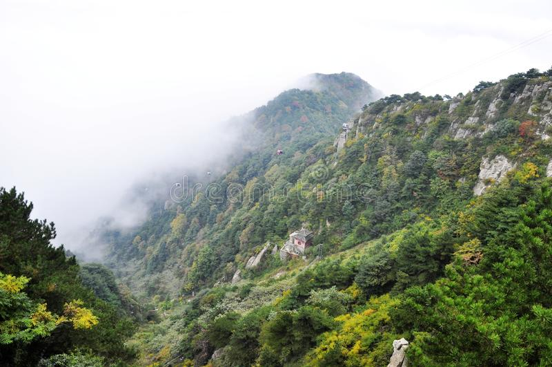 De Berg van Taishan in China stock afbeelding