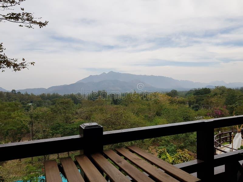De berg van Thailand toneel royalty-vrije stock afbeeldingen