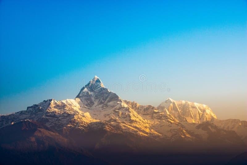 De berg van de vissenstaart in Nepal royalty-vrije stock foto