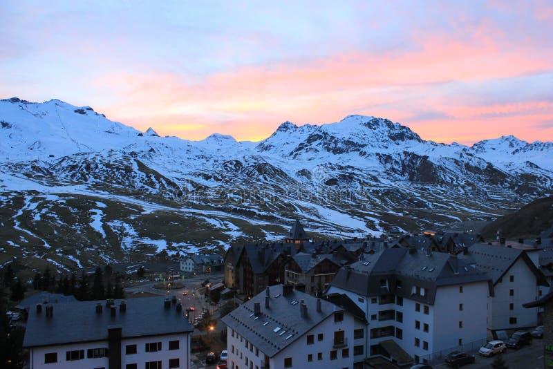 De bergen Formigal, Spanje Ski Resort - Formigal Zonsondergang royalty-vrije stock afbeeldingen