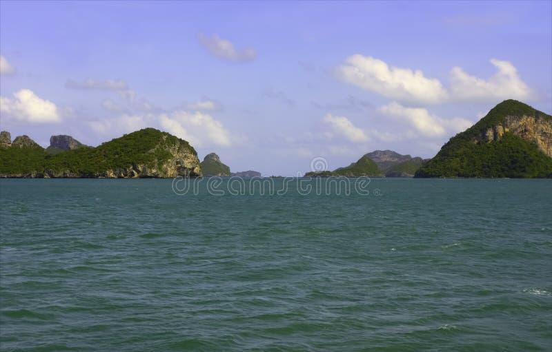 De bergen van Angthong - Nationaal Marien Park stock afbeeldingen