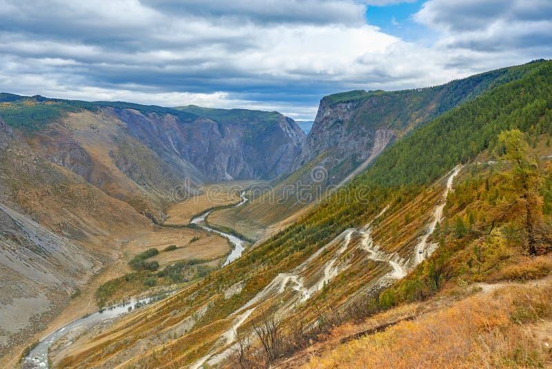 De bergen van de canionweg stock foto