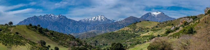 De bergen van Corsica stock fotografie