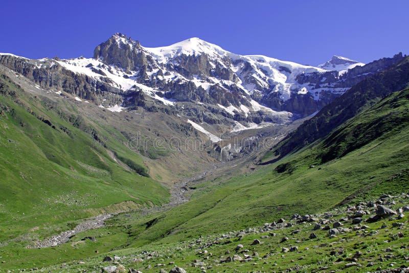 De bergen van de Kaukasus Uzon stock foto