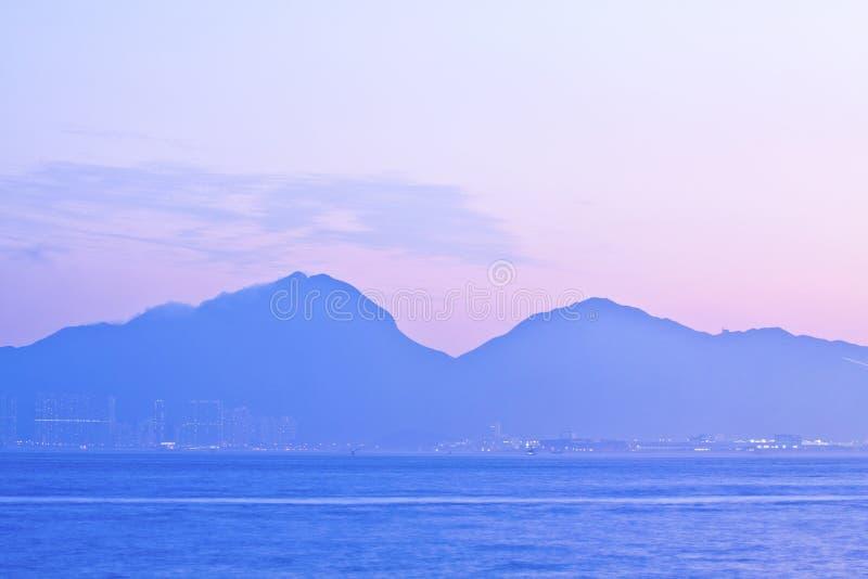 De bergen van de zonsondergang stock afbeelding