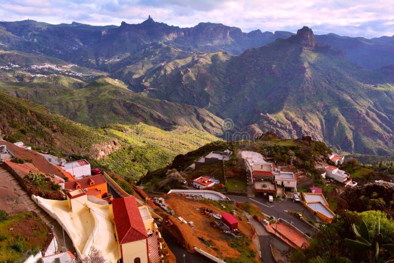 De Bergen van Gran Canaria en Artenara Dorp royalty-vrije stock afbeelding