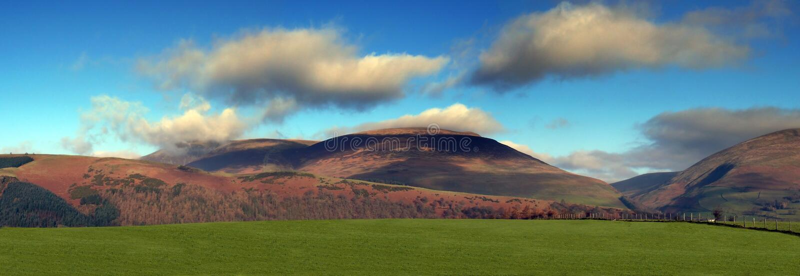 De bergen van het District van het meer stock foto's