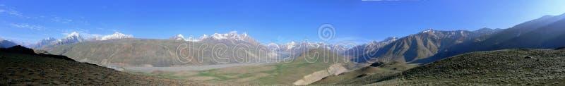 De bergen van Himalayagebergte   royalty-vrije stock afbeeldingen
