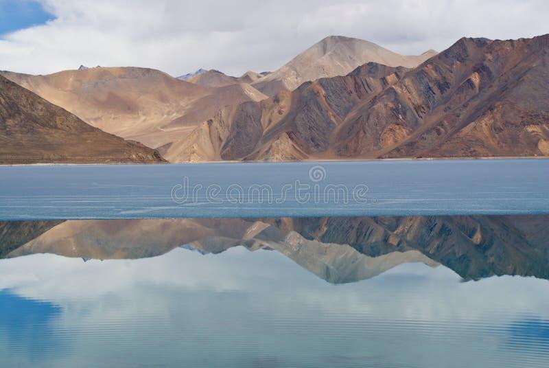 De bergen van Himalayan royalty-vrije stock afbeelding