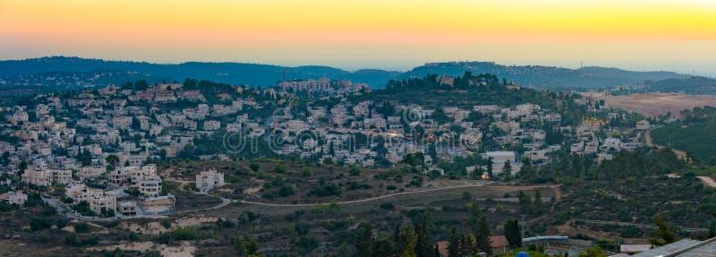 De Bergen van Jeruzalem bij het zonsondergang blauwe uur royalty-vrije stock fotografie