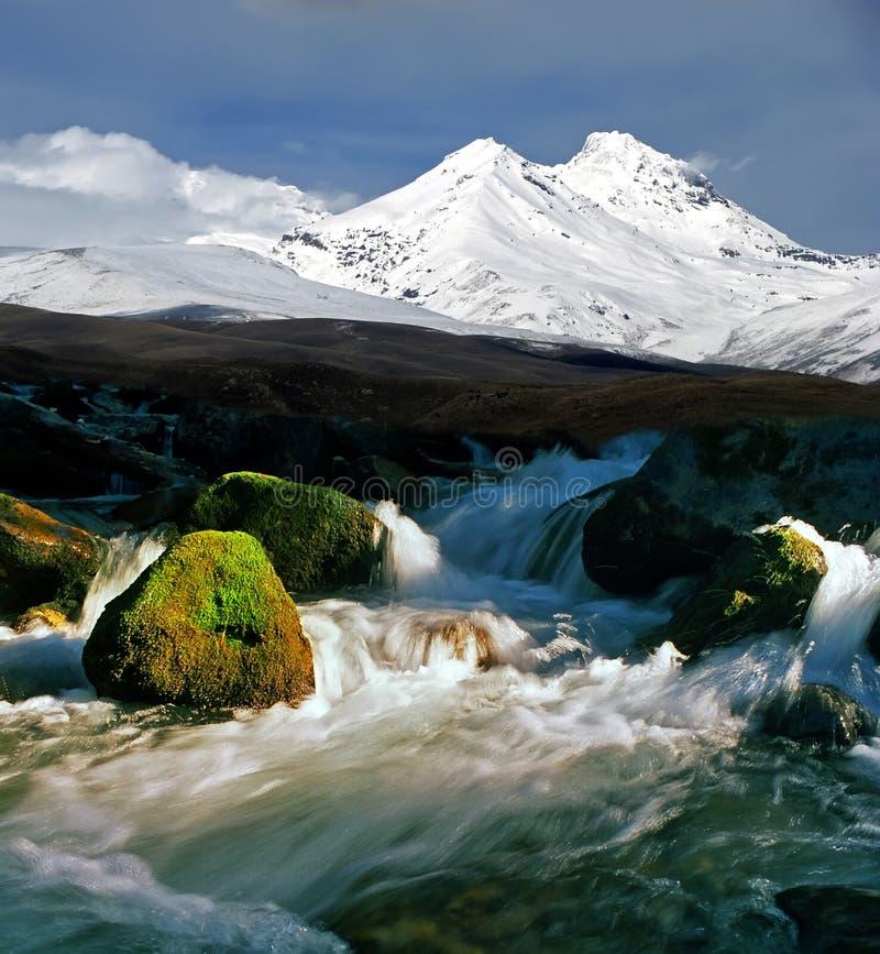 In de bergen van de Kaukasus royalty-vrije stock afbeeldingen