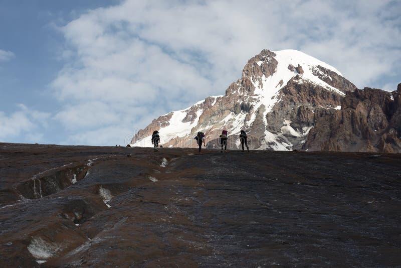 De bergen van de Kaukasus, piekkazbeg, Georgi? stock foto's