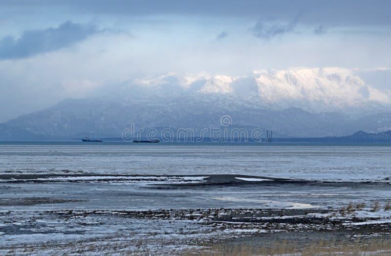 De Bergen van Kenai over de baai stock afbeelding