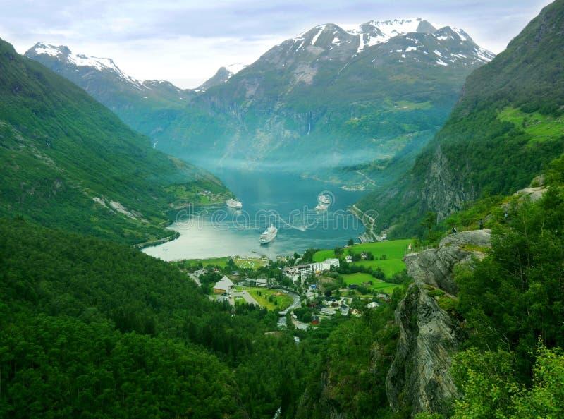 De bergen van Noorwegen stock foto's