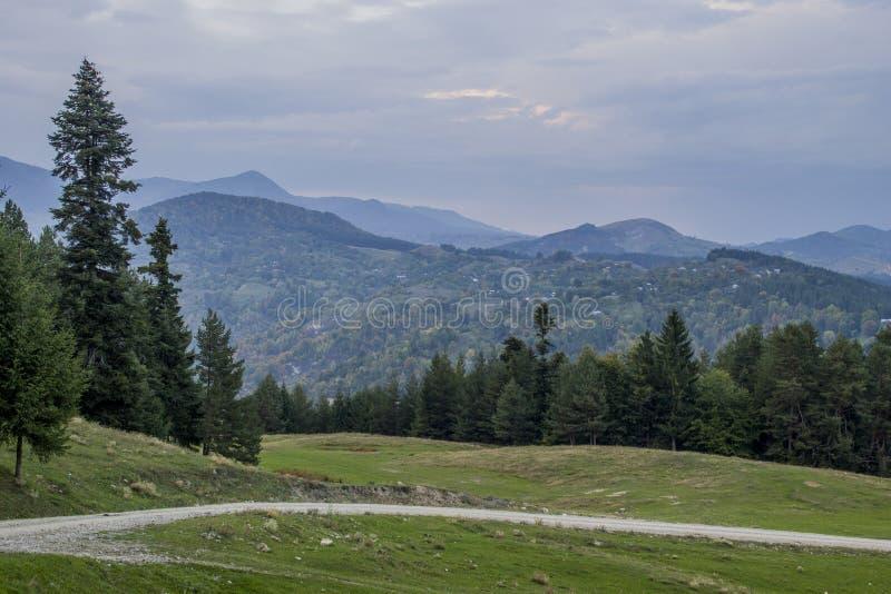 De bergen van Roemenië royalty-vrije stock afbeelding