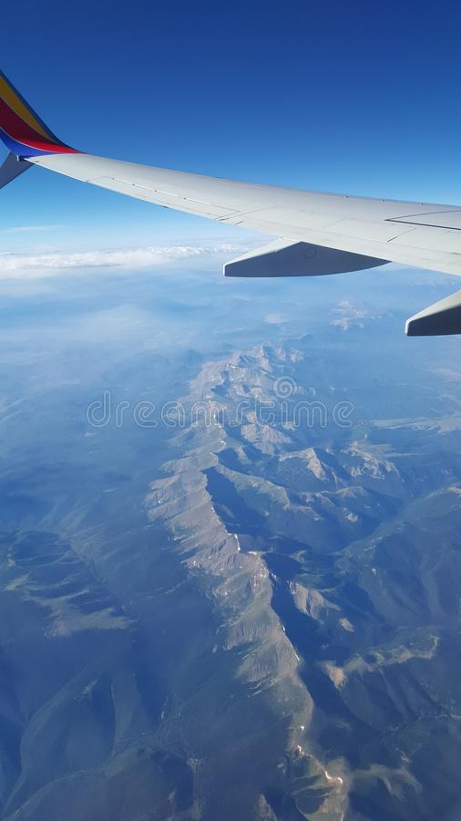 De bergen van de vliegtuigmening royalty-vrije stock foto's