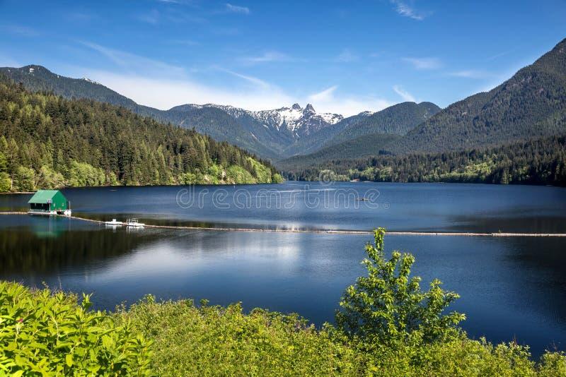 De Bergen Vancouver Brits Colombia van het Capilanoreservoir royalty-vrije stock fotografie