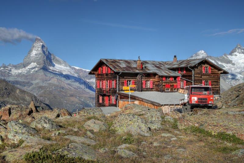 De berghut van Fluhalp, Zermatt, Zwitserland royalty-vrije stock fotografie