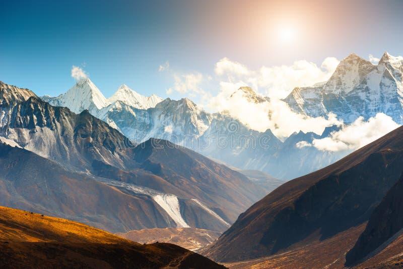 De bergketen van Himalayagebergte in Everest-gebied, Nepal royalty-vrije stock fotografie