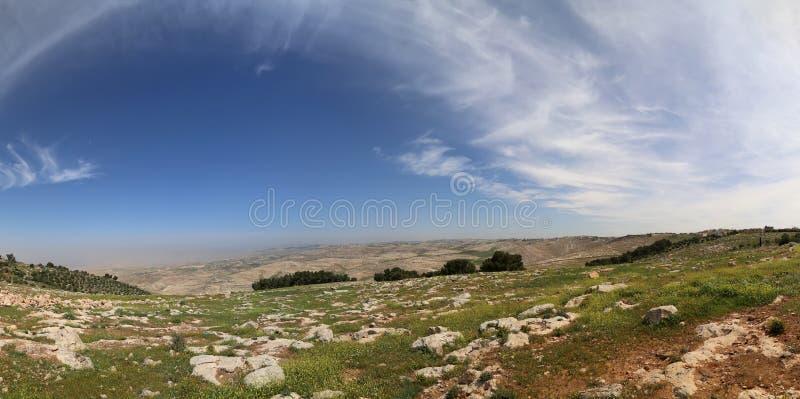 De berglandschap van de panoramawoestijn, Jordanië royalty-vrije stock foto