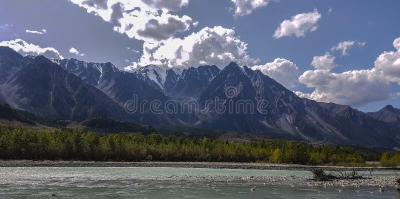 De bergmeer van bergaltai stock afbeeldingen