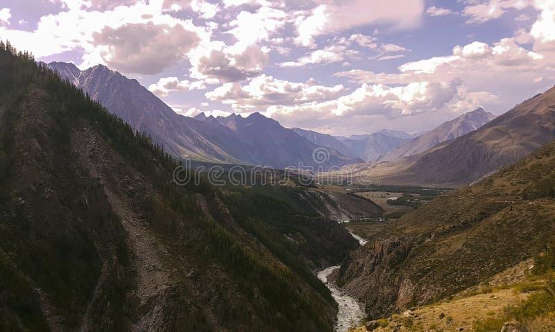 De bergmeer van bergaltai stock afbeelding