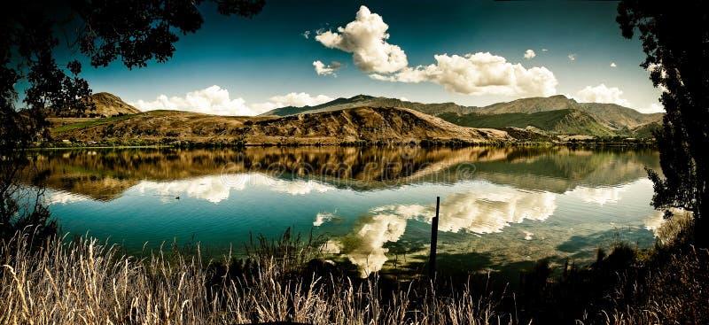 De bergmeer van de zomer royalty-vrije stock fotografie
