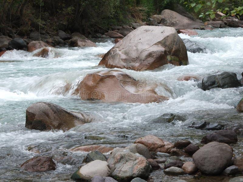 De bergrivier royalty-vrije stock foto