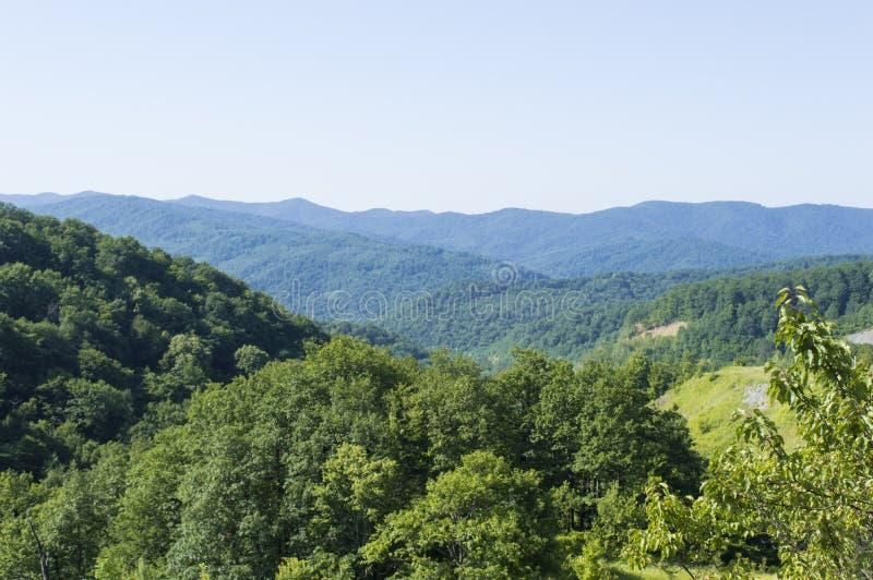 De bergvallei royalty-vrije stock afbeelding