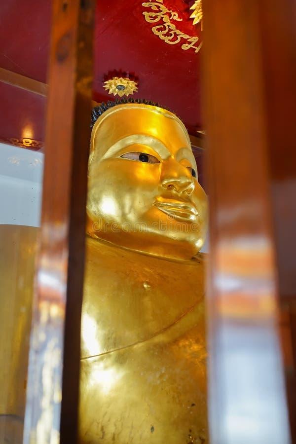 De beroemde Bhudda-afbeelding Prah Add in Wat Phra Mahathat Woramahawihan stock afbeeldingen