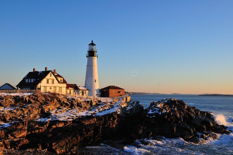 Kaap Elizabeth Lighthouse en branding bij zonsopgang stock foto
