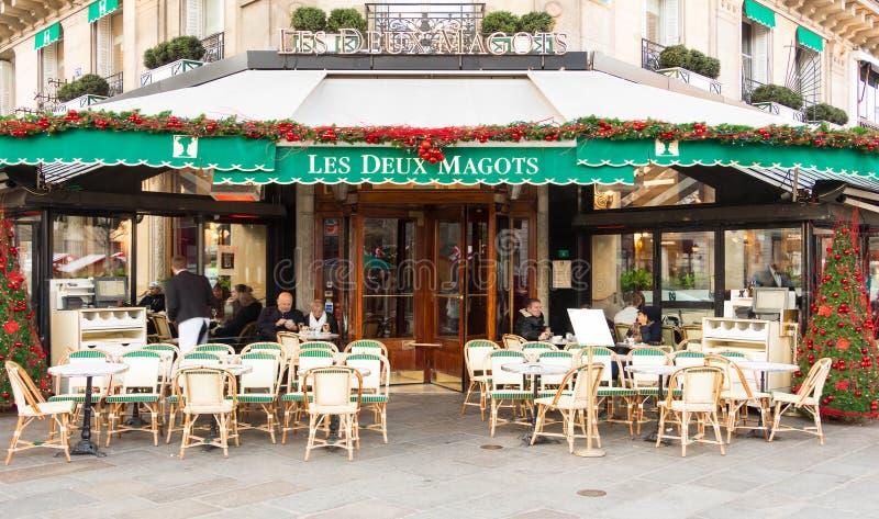 De beroemde koffie Les deux magots, Parijs, Frankrijk royalty-vrije stock afbeelding