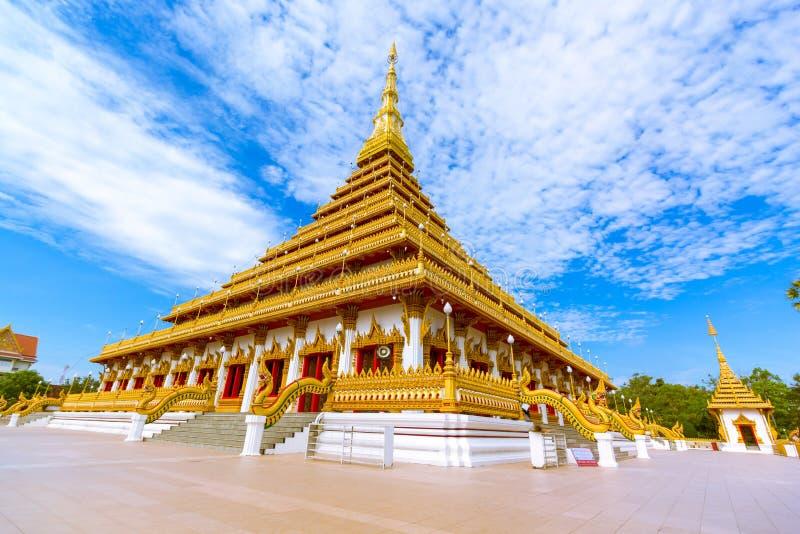 De beroemde pagode in de tempel in Thailand stock foto's