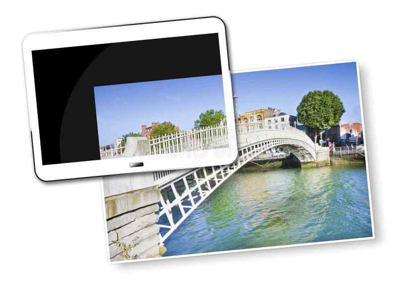 De beroemdste brug in Dublin geroepen - Halve die stuiverbrug toe te schrijven aan de tol voor de passage wordt geladen - Concept stock illustratie